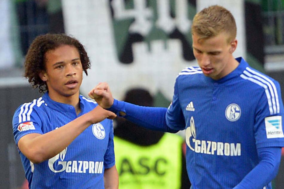 Für FC Schalke 04 bestritt Marvin Friedrich (l.) schon neun Bundesliga-Spiele. Unter anderem kickte er mit dem heutigen Premier-League-Star Leroy (r.) Sane zusammen.