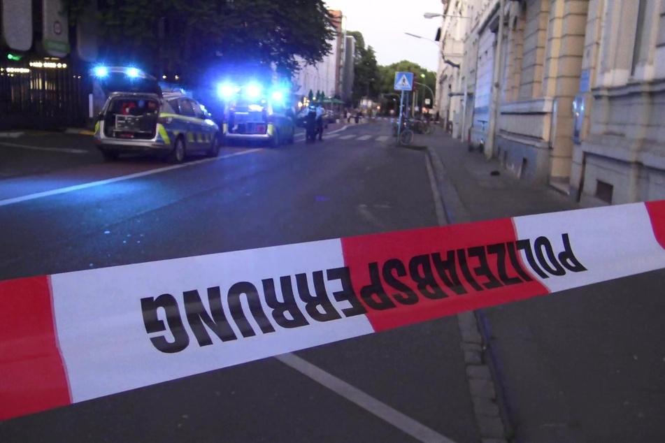 Die Polizei sperrte den Tatort in der Bonner Innenstadt ab.