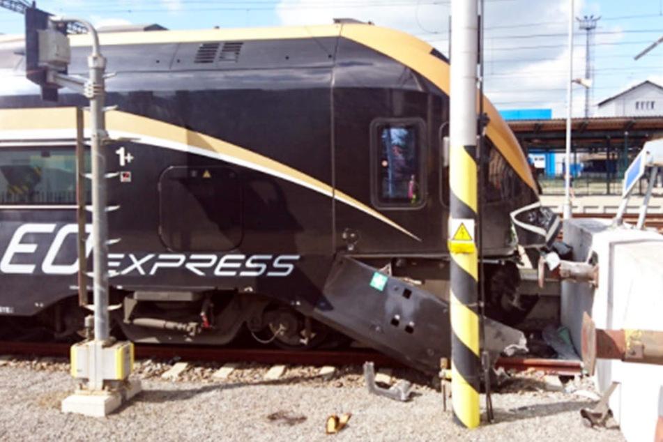 Der Zug knallte auf den Prellbock, dabei wurden 17 Menschen verletzt.