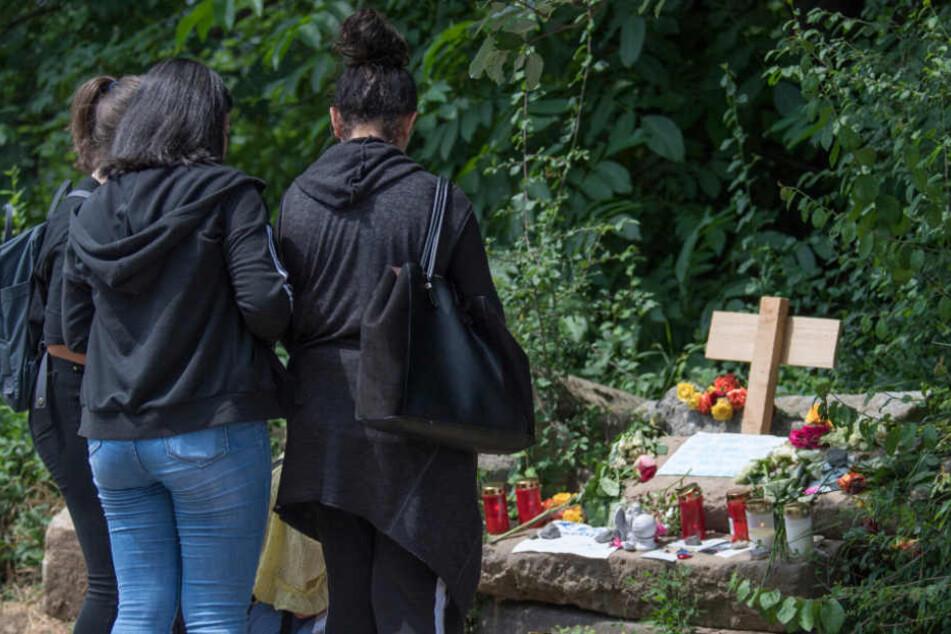 Die Anteilnahme an dem Tode der 14-Jährigen ist groß.