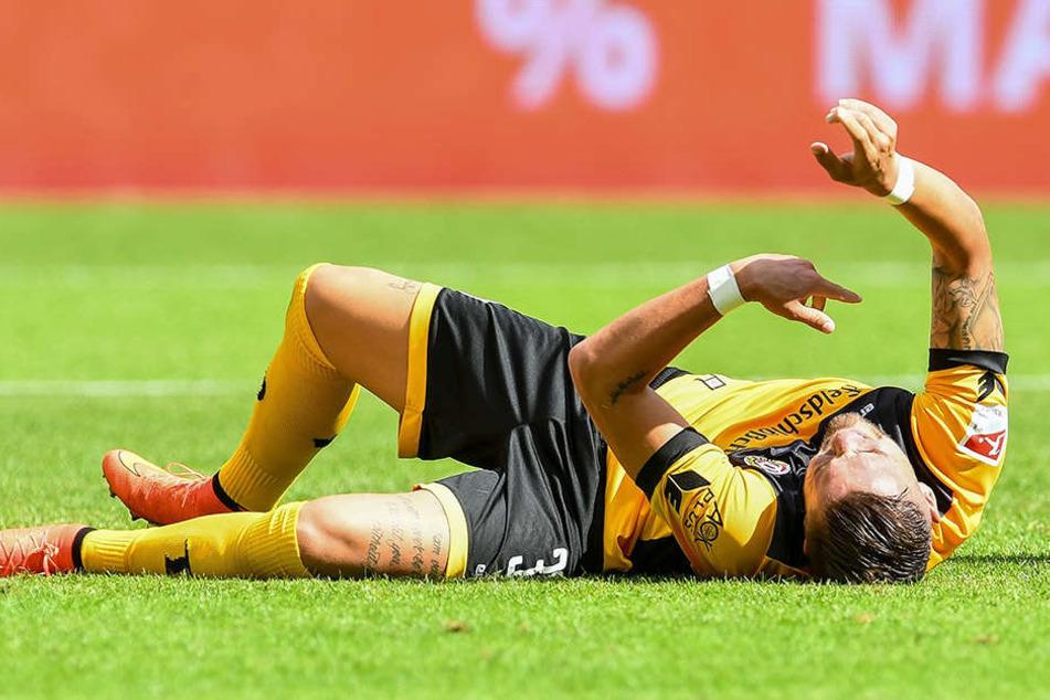 Schmerzverzerrt krümmte sich Pascal Testroet auf dem Rasen. Diese Woche wird sein linkes Knie operiert.