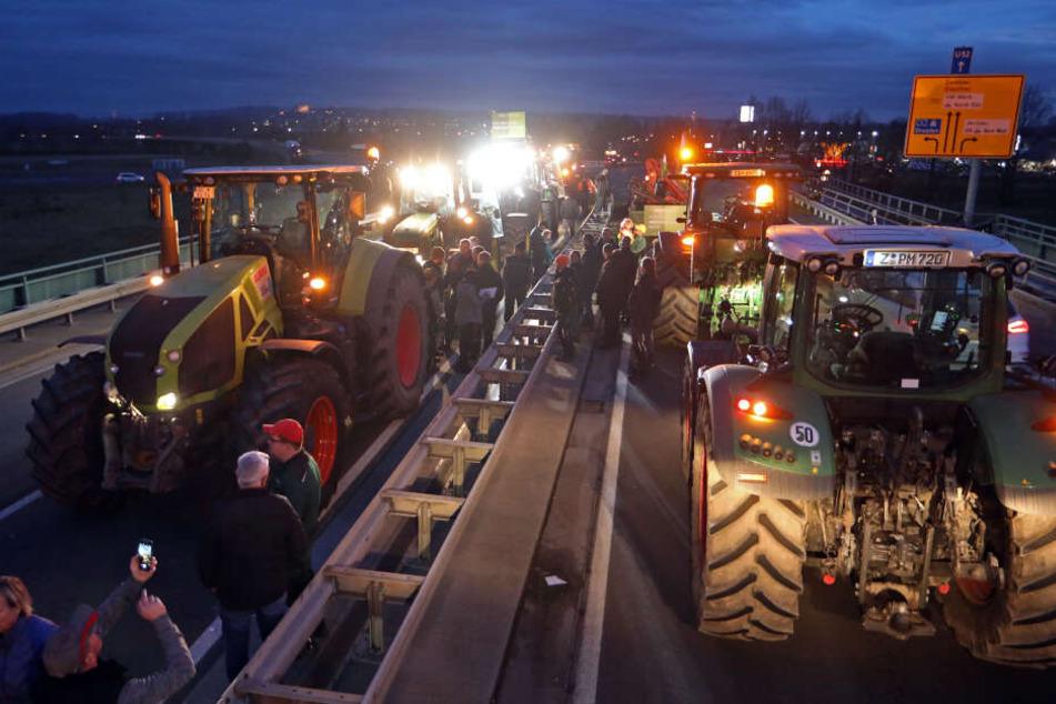 Die Bauern blockierten mit ihren Traktoren