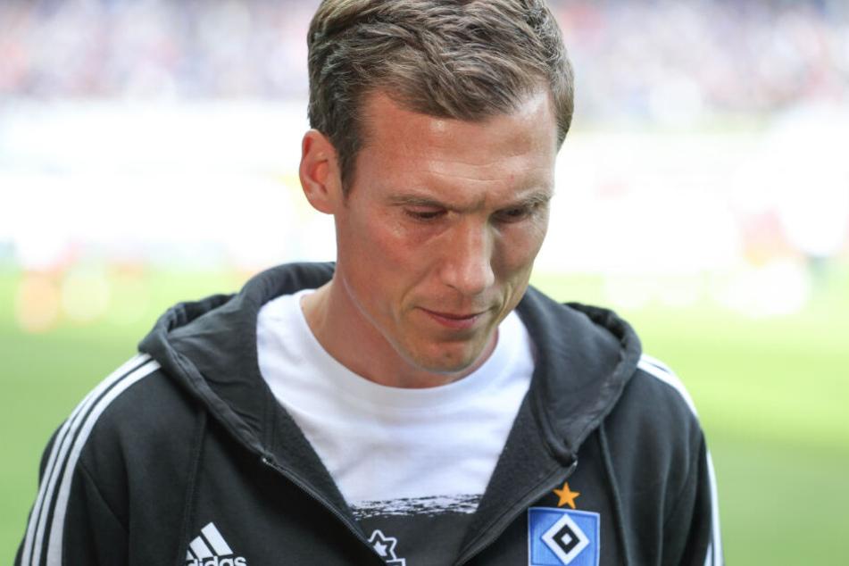 Die Enttäuschung nach der Niederlage und dem verpassten Aufstieg war auch Trainer Hannes Wolf anzusehen.