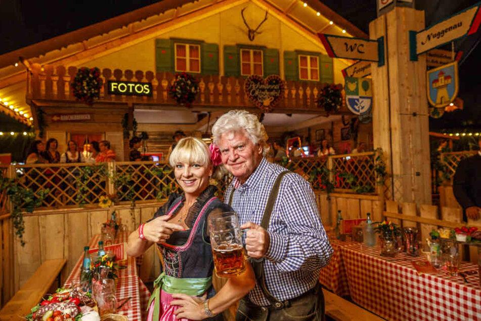 Dixieland-Chef Joachim Schlese (78) kam mit seiner starken Frau Carmen (43) zum Festgaudi.
