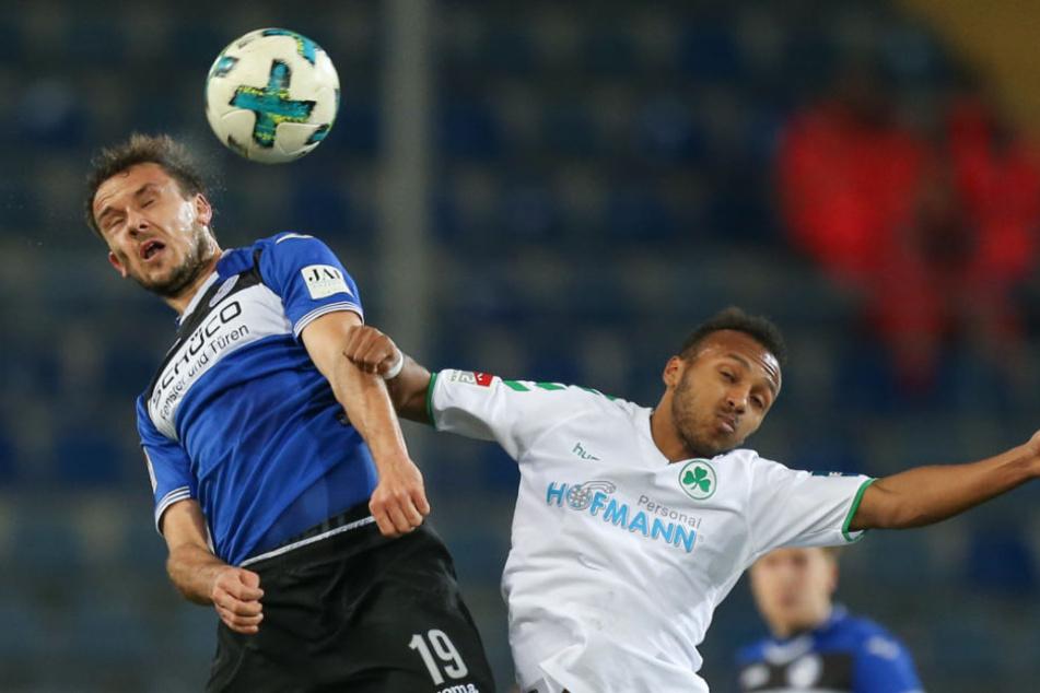 Manuel Prietl (links) sah gegen Fürth seine fünfte Gelbe Karte und muss gegen den VfL Bochum pausieren.