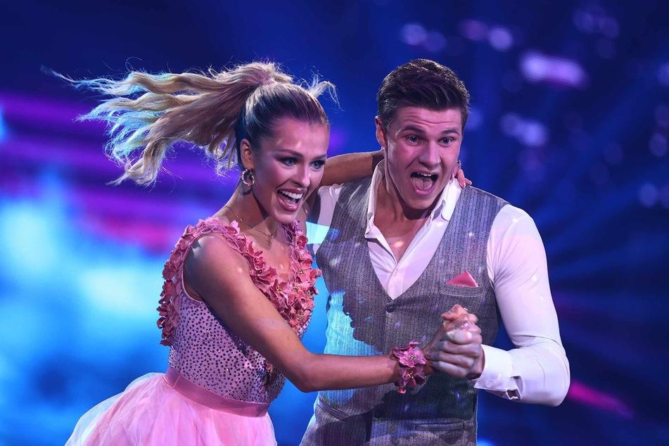 """In der Show """"Let's Dance"""" überzeugte die 26-Jährige an der Seite von Profi-Boxer Simon Zachenhuber (23)."""