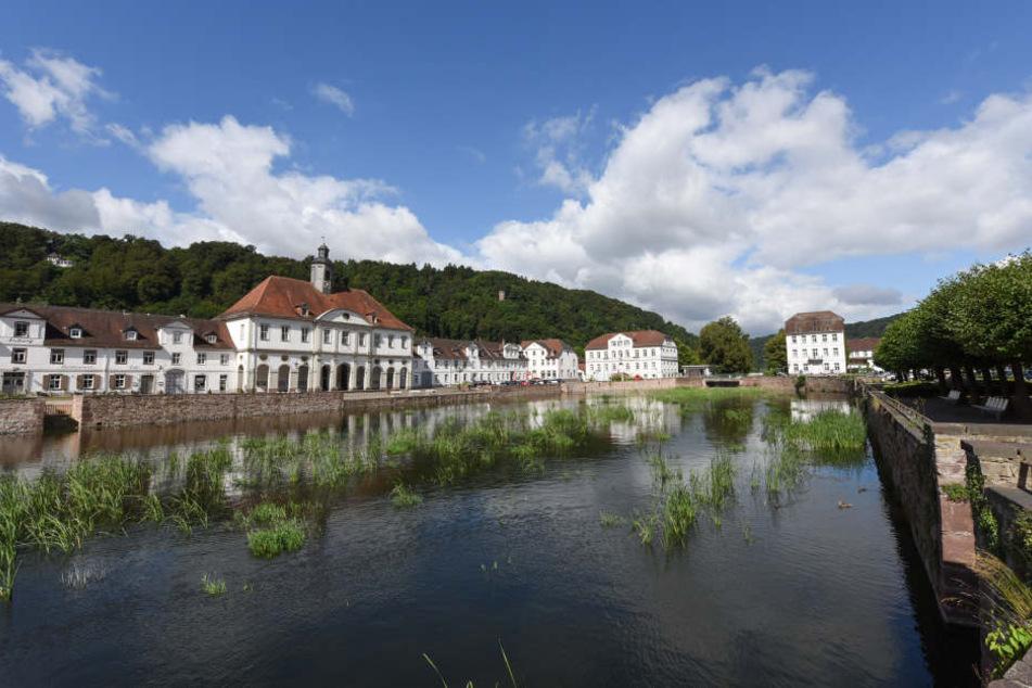 Blick über den historischen Hafen von Bad Karlshafen. Seit fast 90 Jahren gibt es hier keine schiffbare Verbindung mehr.