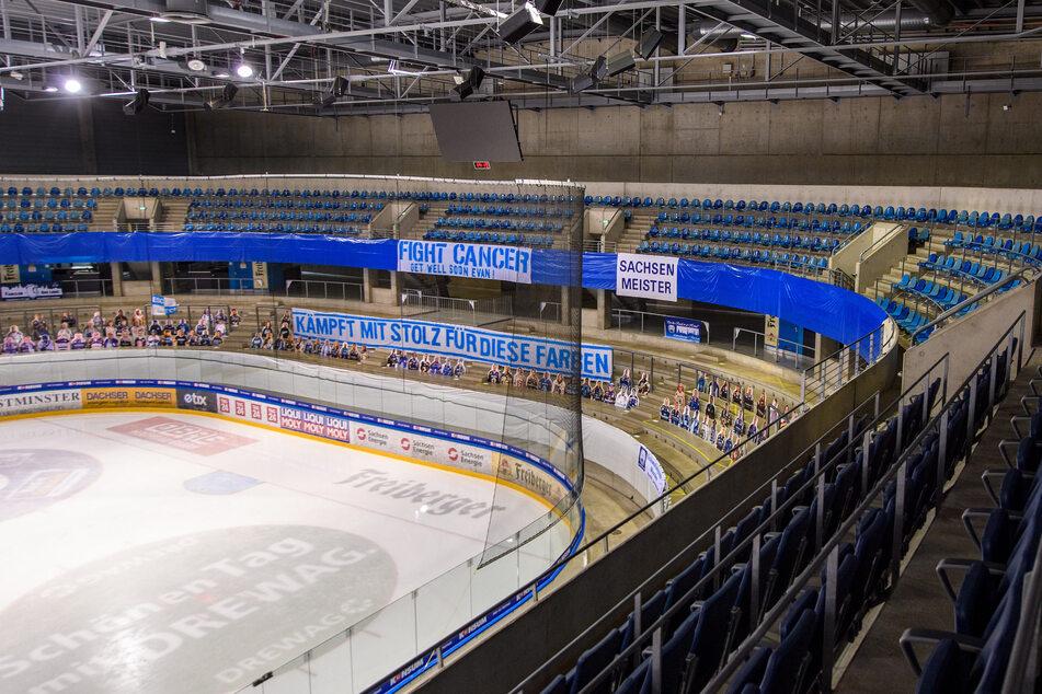 Bleibt die Eishalle am Sonntag gänzlich leer? Das Spiel gegen die Löwen Frankfurt fällt auf jeden Fall aus.