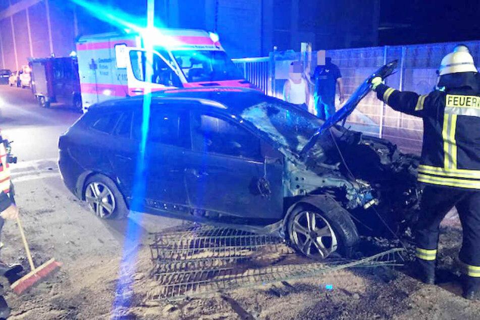 Am Wagen der Eltern entstand ein Sachschaden von rund 15.000 Euro.