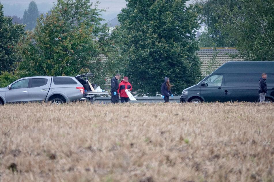 Nach Leichen-Fund im Erzgebirge: Die Polizei suchte am Donnerstag und Freitag nach weiteren Spuren - bislang ohne Erfolg.
