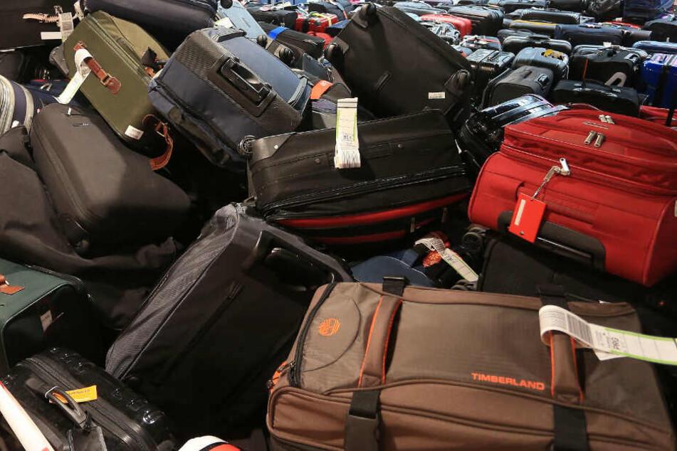 Flughafen Düsseldorf: Koffer nach Gepäck-Chaos auf dem Weg