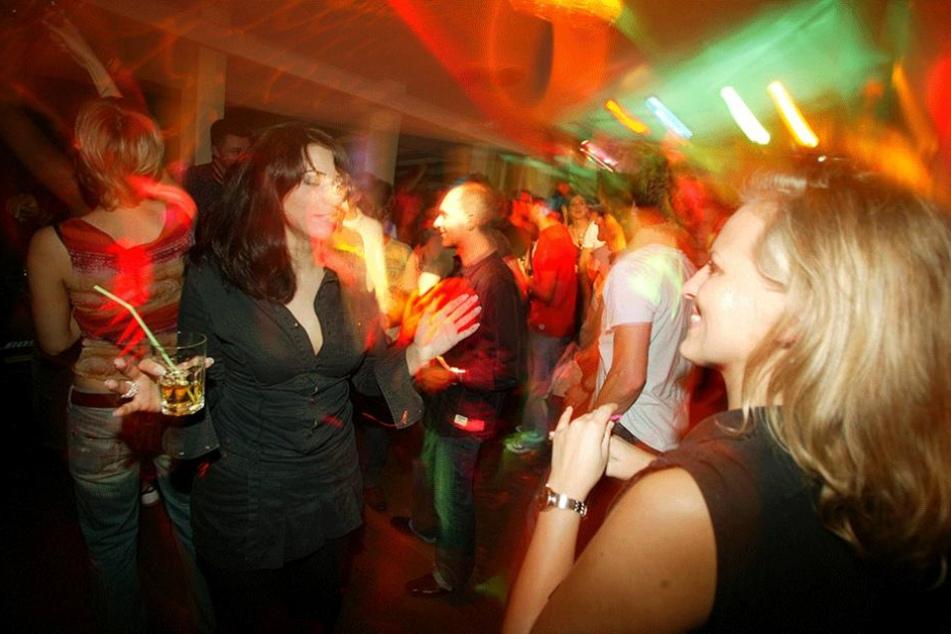 Bei Partys kommt es immer wieder zu Übergriffen und Diebstählen (Symbolbild).