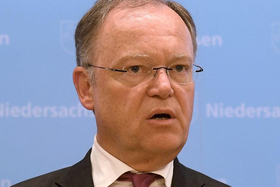 Der niedersächsische Ministerpräsident Stephan Weil (58, SPD) greift zu drastischen Maßnahmen.