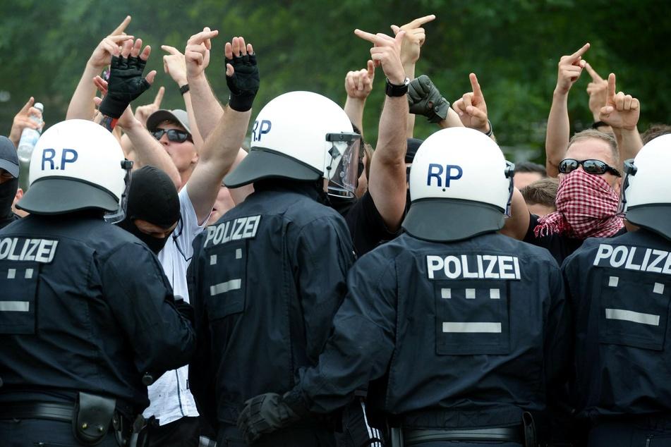 Die Wacker-Fans konnten vor dem Eintreffen der Polizei fliehen (Symbolbild).