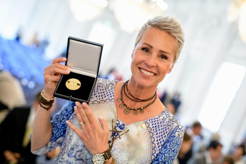 Sonja Zietlow erhielt 2018 eine Bayerische Staatsmedaille für ihre sozialen Verdienste. (Foto: Matthias Balk/dpa)