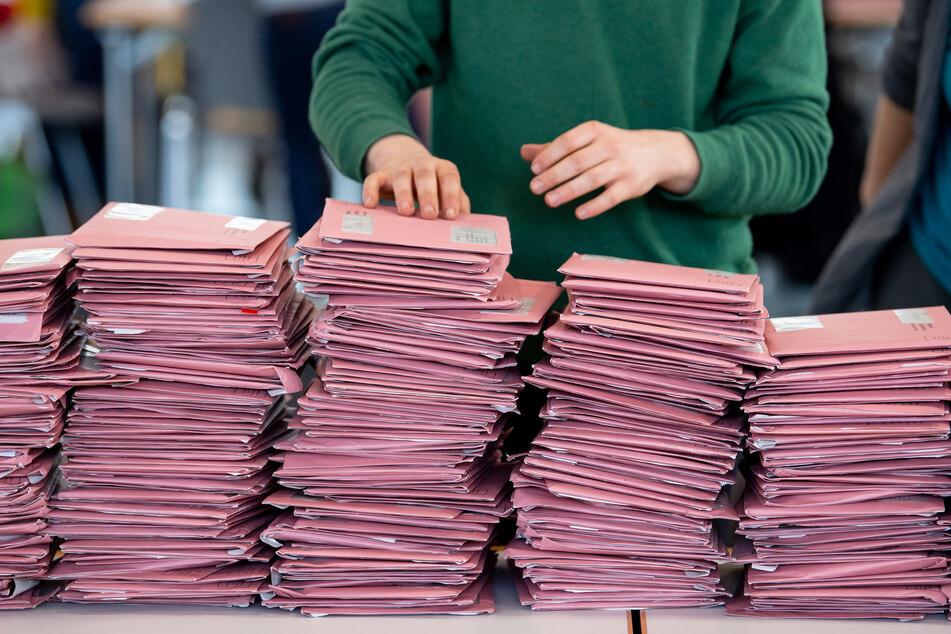 Wegen der Corona-Pandemie wurde am vergangenen Wochenende in Bayern nur per Briefwahl gewählt - mit guter Wahlbeteiligung.