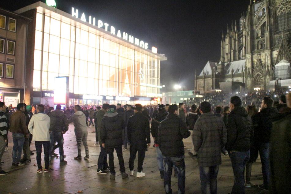 Kölner Silvesternacht 2015: Opfer wurden laut Laschet im Stich gelassen