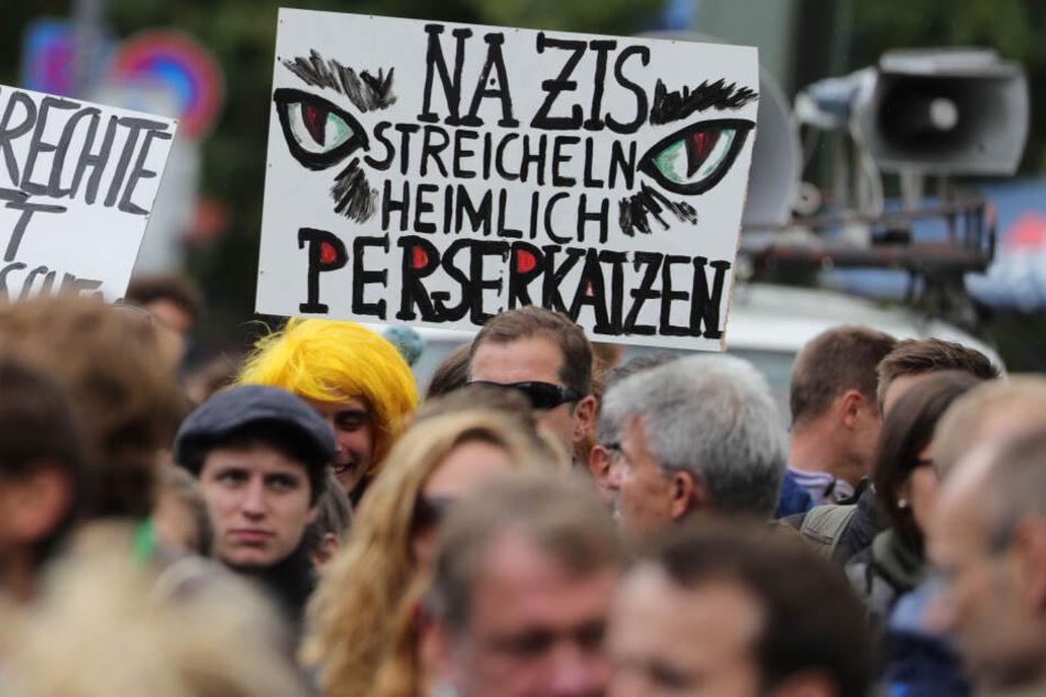 Anmelder vorbestraft? Stadt verbietet rechte Demo in Rostock!