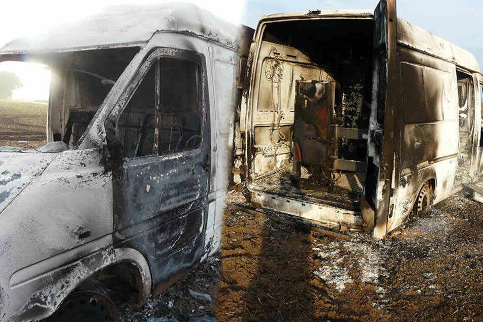 Ein Firmentransporter wurde am Samstag komplett ausgebrannt auf einem Feld im Saalekreis gefunden.