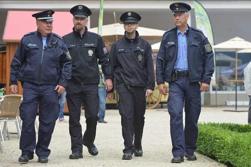 Deutsche und tschechische Polizisten gemeinsam auf Streife!