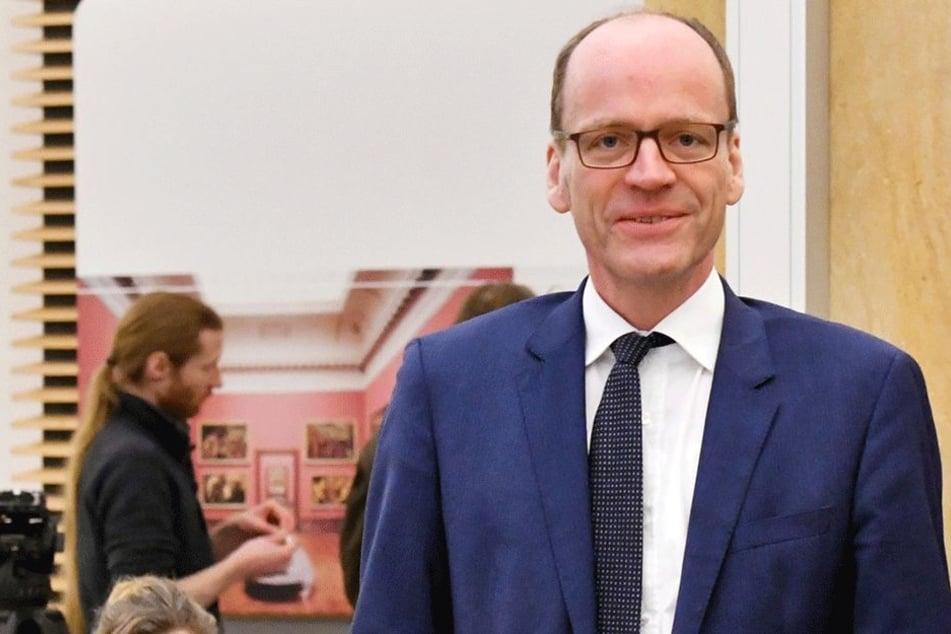 Finanzminister Matthias Haß (50, CDU) macht Millionen locker für Schulen.