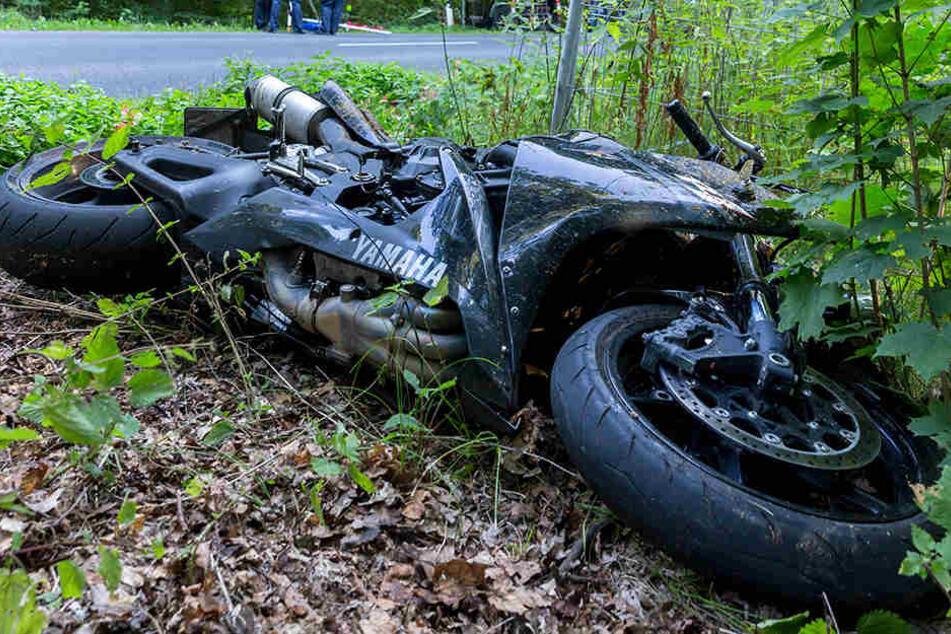 Der Motorradfahrer versuchte noch, sein Bike zu verstecken, machte sich dann aber lieber aus dem Staub (Symbolbild).