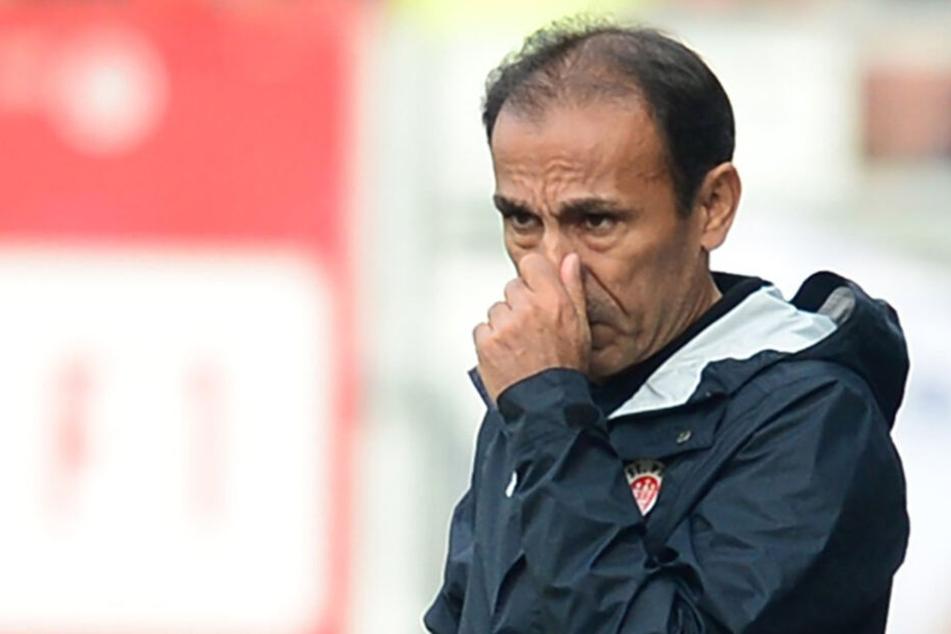 Für Trainer Jos Luhukay wird die Luft beim FC St. Pauli allmählich dünner.