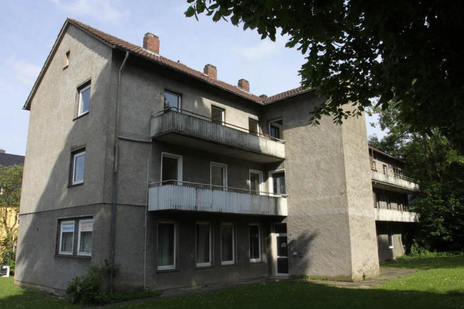 In diesem städtischen Gebäude an der Fröbelstraße wohnen schon viele Flüchtlinge. Der Platz reicht aber nicht aus.
