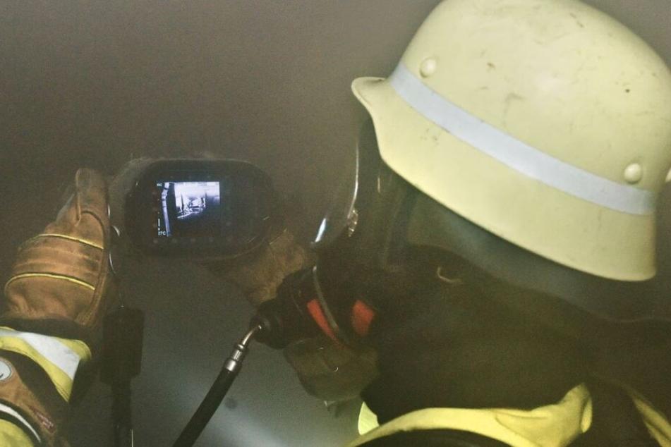 München: U-Bahntriebwagen brennt, 100 Menschen aus Tunnel evakuiert