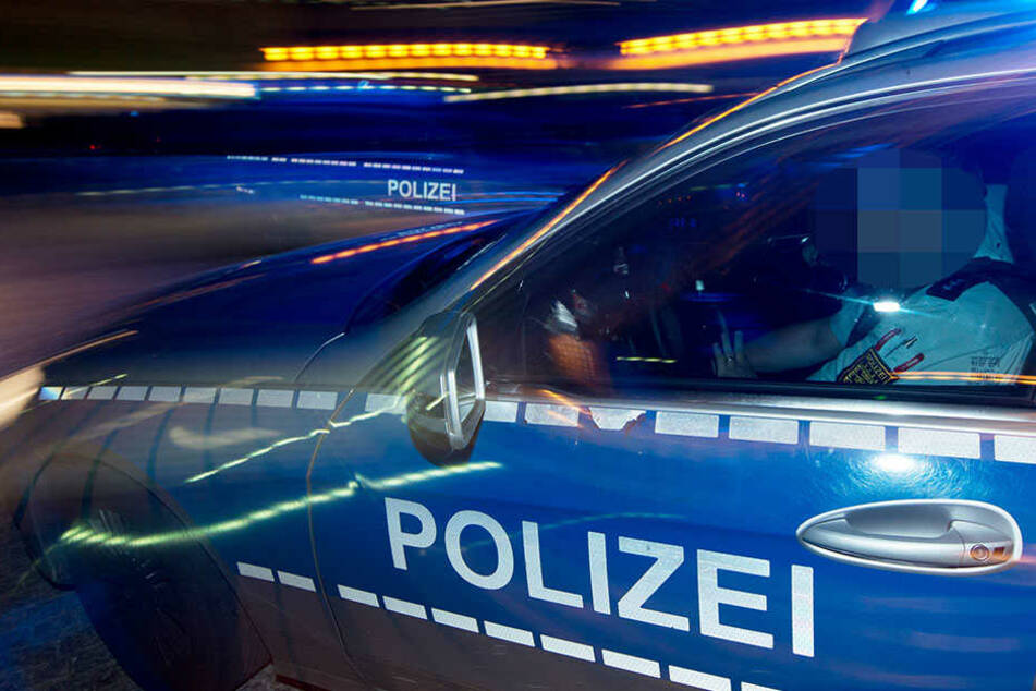Die Dresdner Polizei raste in der Nacht hinter einem weißen Chevrolet Camaro her.