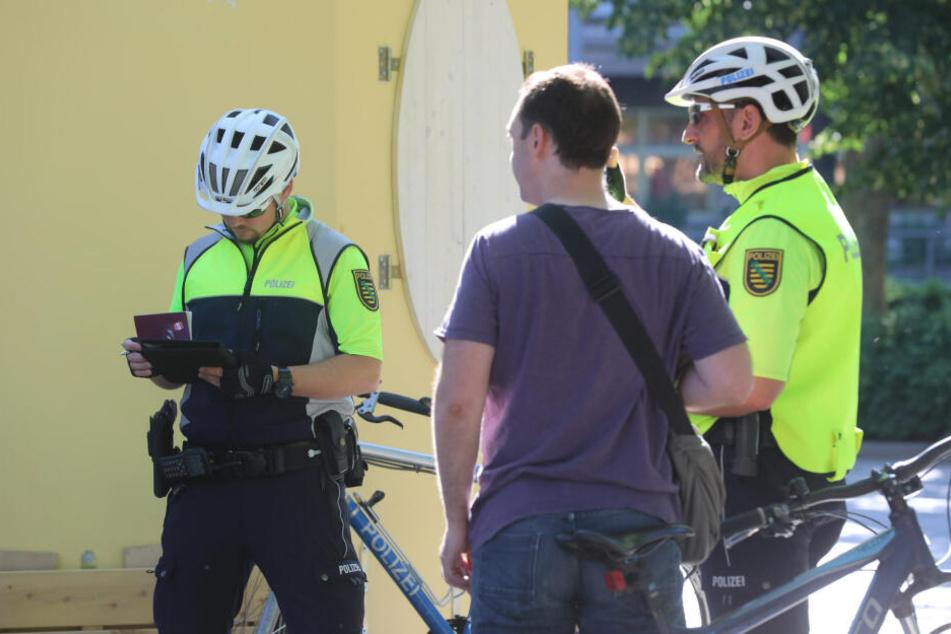 Die erwischten Radfahrer wurden sofort am Albertplatz gestellt.