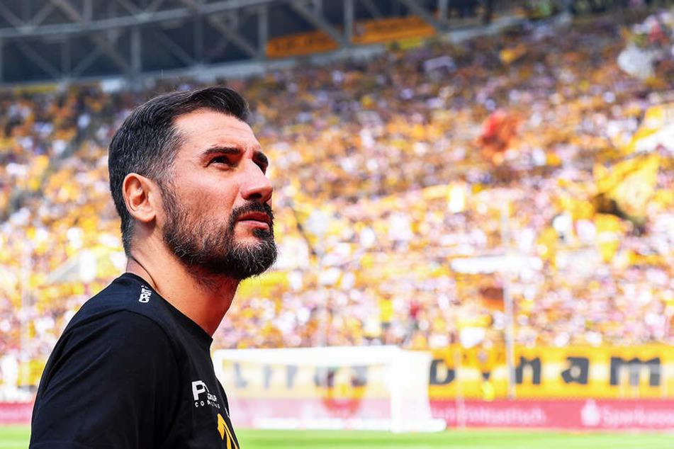 Der Blick ging nach oben: Cristian Fiel sah seine Dynamos gegen St. Pauli diesmal auch mit dem lieben (Fußball-)Gott im Bunde.