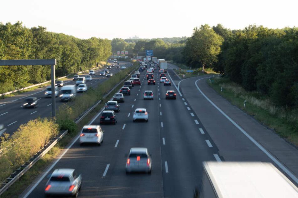 Die Sperrung am Autobahnkreuz Köln-Ost wurde aufgehoben. (Symbolbild)