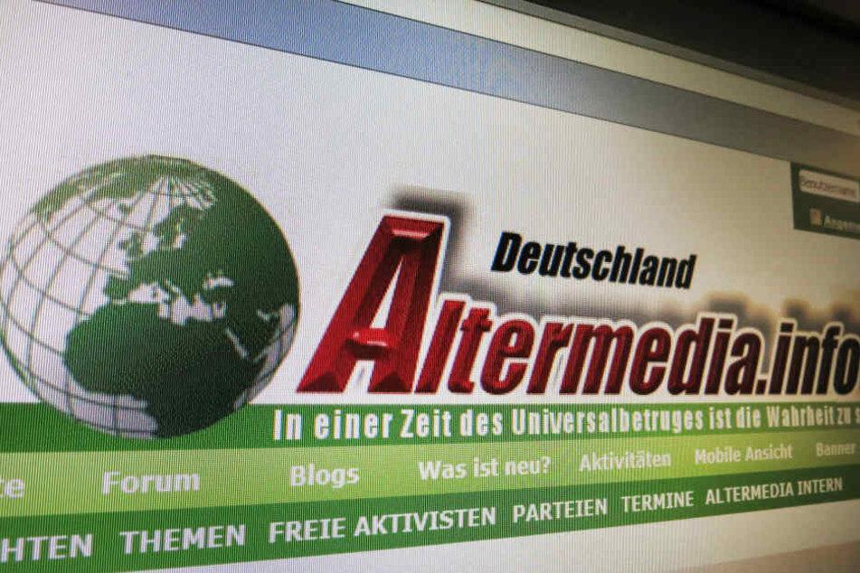 Die Aufnahme zeigt die Startseite des mittlerweile verbotenen rechtsextremen Internetportals «Altermedia» auf einem Monitor in Berlin. (Archivbild)
