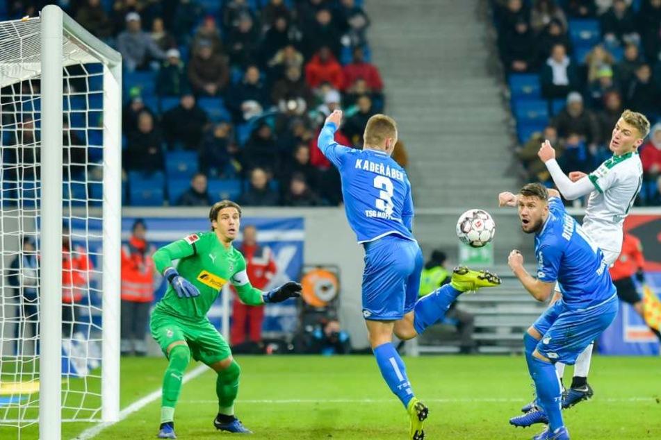 Einer der vielen vergebenen Chancen der Hoffenheim-Offensive in der Begegnung gegen Gladbach.