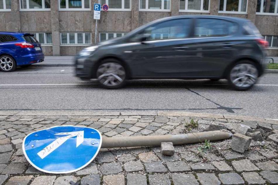 Tausende Verkehrsschilder beschädigt oder geklaut: Das sind die Folgen