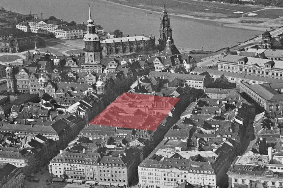 So eng bebaut war der Neumarkt noch Anfang 1945. Der rote Bereich zeigt das  Areal der aktuellen Ausgrabungen.