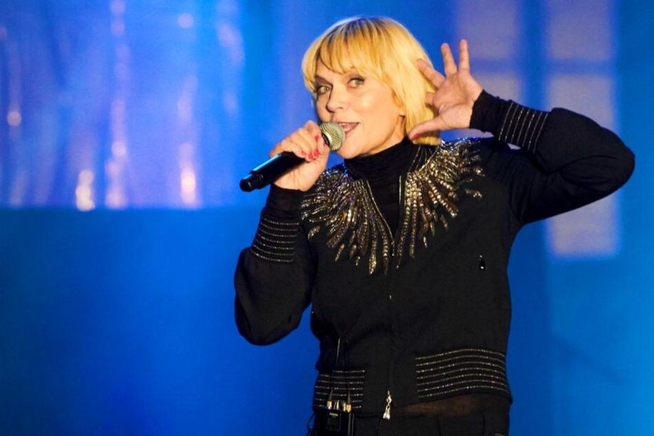Anna Loos' (48) Auftritt bei der Mauerfall-Feier sorgt im Nachhinein für Ärger.