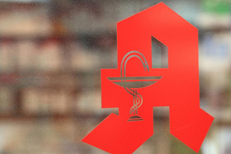 Reizende Flüssigkeit in Apotheke setzt Mitarbeiter außer Gefecht