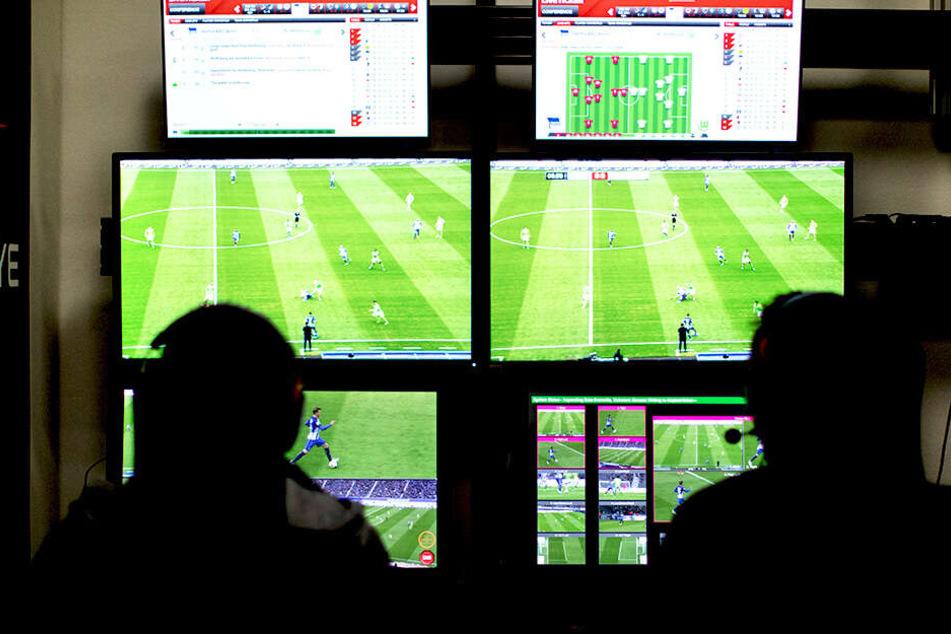 Die Stadien des Unterhauses sollen per Glasfaser-Kabel mit dem Video-Assist-Center verbunden werden.