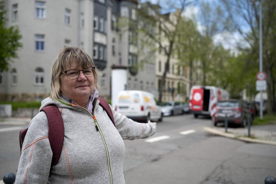 Anwohnerin Heide Weiß (60) ärgert sich: Das Parkplatzproblem auf dem Kaßberg spitzt sich zu.