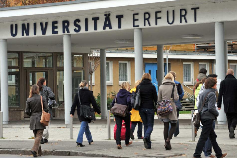An der Uni in Erfurt gibt es die wenigsten Gebühren von Langzeitstudente.