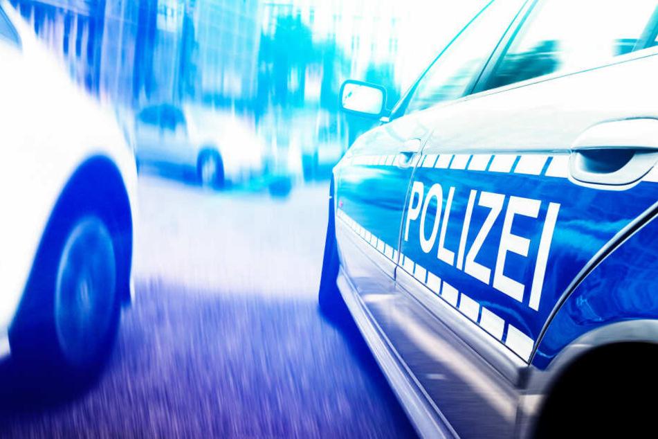 Polizeieinsatz im Straßenverkehr (Symbolbild)