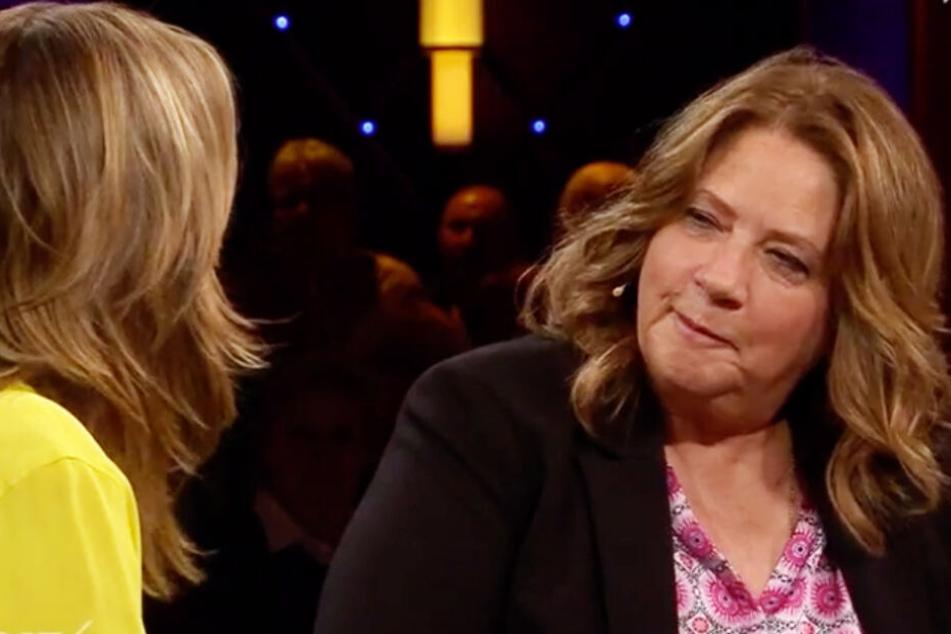 Beim MDR Riverboat sprach Kathy Kelly mit Moderatorin Kim Fisher über den schmerzhaften Tod ihrer Mutter.