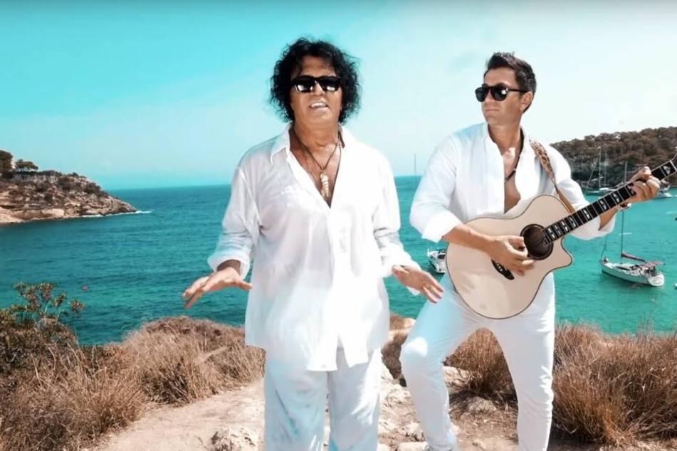 Eine Szene aus dem neuen Musikvideo zeigt Costa und Lucas Cordalis.