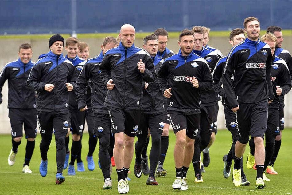 Mitte April sah der Kader des SC Paderborn noch etwas anders aus. Die Neuzugänge könnt Ihr am Montag bewundern.