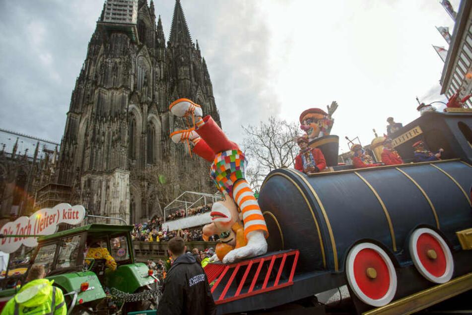 """Doch kein Karneval in Deutz: Rosenmontagszug zieht nicht auf die """"Schäl Sick"""""""