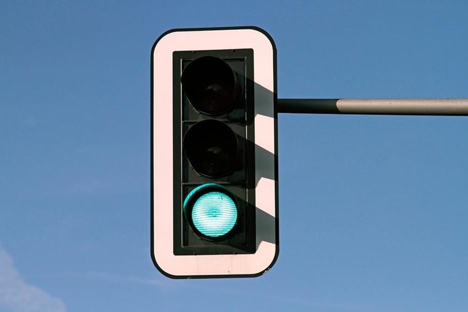 Immer mehr grüne Ampeln machen die Autofahrer (in Dresden) froh.