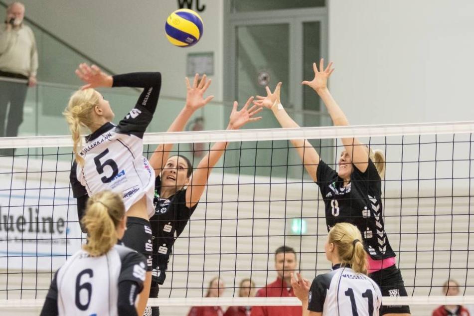 Liz McMahon (hinterm Netz links) und Barbara Purchartová feierten einen 3:1-Sieg in Erfurt.