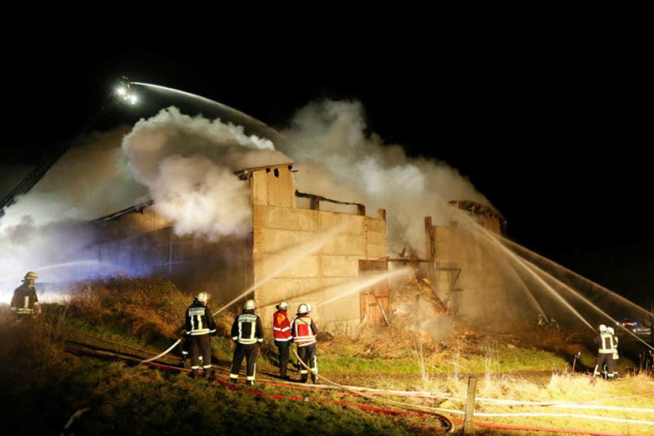 Die Männer sollen am 1. Dezember 2014 eine große Scheune in Breitenau abgefackelt haben.